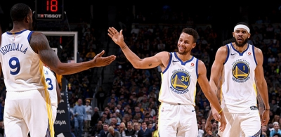 Golden State Warriors koltuğa kuruldu